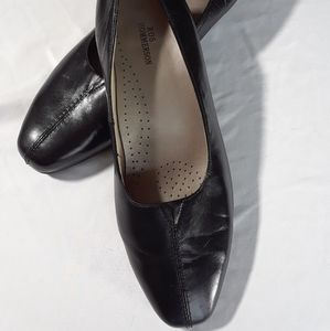 Ros Hommerson Black Leather Flats 10W